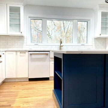 Fabuwood Cabinetry with Full Overlay Door and Custom Island in Berkeley Heights, Union County NJ