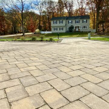 Cambridge Pavingstones Herringbone Pattern Driveway in Morris County NJ