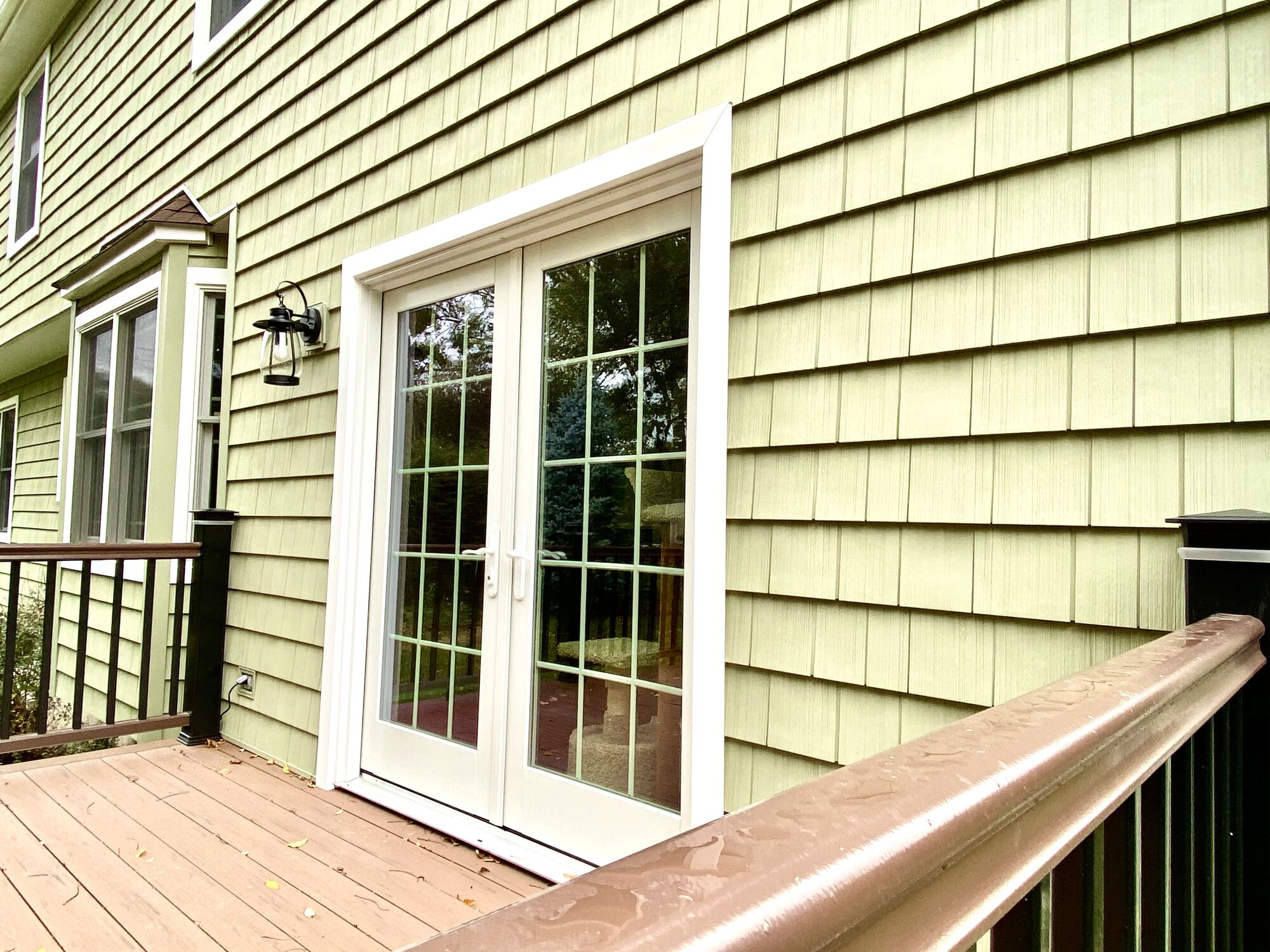 Pelican Bay Traditional 7 & Vinyl Shake Siding with 3_ Lineal Trim Casing in Boonton, Morris County NJ