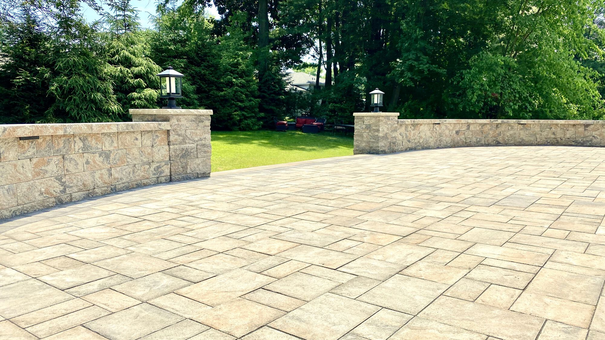 Raised Cambridge Ledgstone Paver Patio in toffee Onyx Light with Matching Steps, Sitting Walls, Columns in Oradell, Bergen County NJ